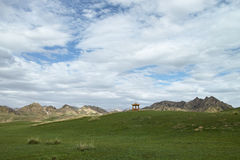 Cloudy grassland. Qinghai-Tibet Plateau Royalty Free Stock Photos