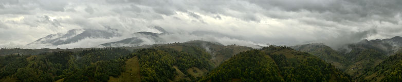 Cloudy mountains Royalty Free Stock Images