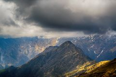 Cloudy rainy mountains, Himalayas, India Stock Photography