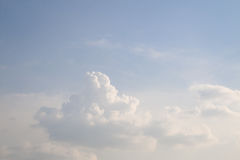 Cloudy skies during the day Royalty Free Stock Photos