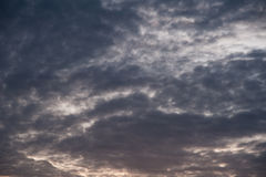 Cloudy sky before rain Royalty Free Stock Photos