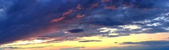 Cloudy sky at sunset Royalty Free Stock Photos