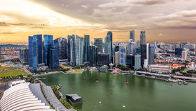 Cloudy sunset over the city of Singapore Stock Photos