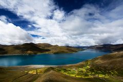 Cloudy Yamdrok Lake. Yamdrok Lake in cloudy day Royalty Free Stock Photos