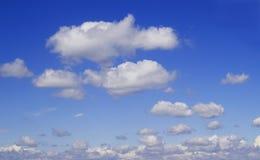 Clous dans le ciel Images stock