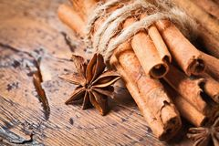Clove and cinnamon Royalty Free Stock Images
