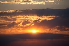 Clowds colorés dans la scène de coucher du soleil Photo libre de droits