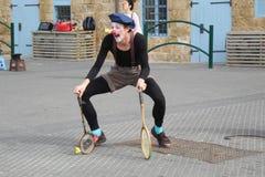 Clown in de haven van oude jaffa royalty-vrije stock afbeeldingen