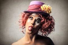 Clown, der heraus ihr tounge haftet lizenzfreies stockfoto