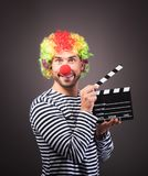 Clown drôle avec la boîte de tondeuse photo libre de droits