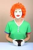 Clown féminin avec la cuvette Photos stock