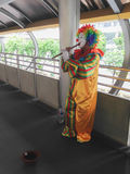 Clown het spelen fluit Royalty-vrije Stock Foto