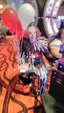 Clown am Kasino lizenzfreies stockbild