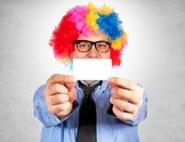 Clown med det tomma kortet Royaltyfria Foton
