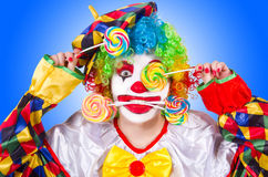 Clown med klubbor royaltyfri foto