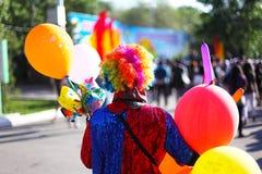 Clown met kleurrijke ballons royalty-vrije stock foto's