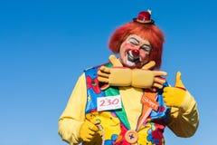Clown tijdens Gouden Dragon Parede. Royalty-vrije Stock Afbeelding