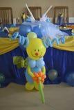 Clown van baloons wordt gemaakt die Royalty-vrije Stock Foto