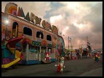 Clowne an einer Messe Stockbild
