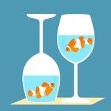 Clownfish i exponeringsglas för ett vin Arkivbild