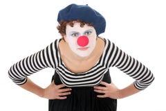 Clownfrau, die Kamera betrachtet lizenzfreies stockfoto