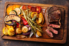 Club Beef steak and Grilled vegetables Stock Photography