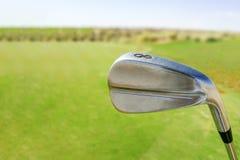 Club de golf sur le cours photographie stock libre de droits