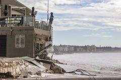 Club de la playa en Collaroy después del daño de la tormenta Fotografía de archivo libre de regalías