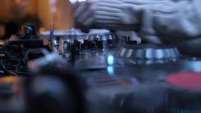 Club de noche de la música de DJ almacen de metraje de vídeo