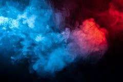 Club di fumo colorato isolato: blu, rosso, arancia, rosa; rotolo fotografie stock
