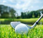 Club di golf e palla immagini stock libere da diritti