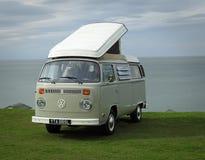 Club di visita d'annata di Volkswagen costiero fotografia stock libera da diritti