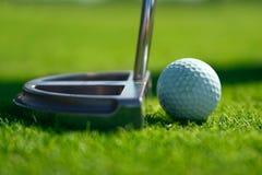 Club et bille de golf Photos stock