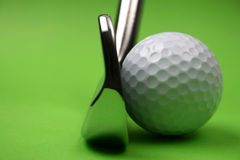 Club et bille de golf Photos stock