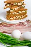 Club Sandwiche mit Bestandteilen stockfotos