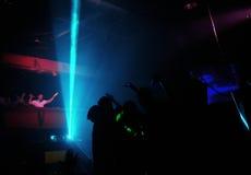Clubbers en la noche Fotografía de archivo libre de regalías