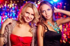 Clubbers femeninos Foto de archivo libre de regalías