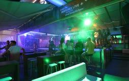 Clubbing in Faliraki, Grece di vita di notte immagine stock