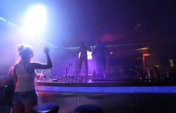 Clubbing in Faliraki, Grece di vita di notte immagine stock libera da diritti