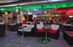 Clubbing in Faliraki, Grece di vita di notte immagini stock libere da diritti