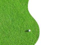 Clube de golfe Campo e bola verdes na grama Fotografia de Stock Royalty Free