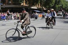 Clube do ciclo do vintage de membros de Victoria para participar na parada 2019 do dia de Austrália em Melbourne imagens de stock