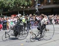 Clube do ciclo do vintage de membros de Victoria para participar na parada 2019 do dia de Austrália em Melbourne fotos de stock
