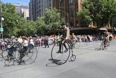 Clube do ciclo do vintage de membros de Victoria para participar na parada 2019 do dia de Austrália em Melbourne fotografia de stock royalty free