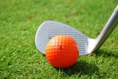 Clube e esfera de golfe Imagem de Stock