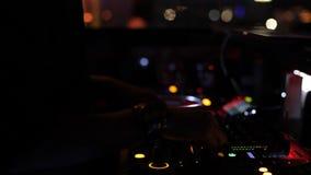 Clube noturno da cabine do DJ video estoque