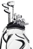 Clubs de golf dans le sac blanc et noir d'isolement sur le fond blanc Photos stock