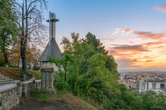 Cluj miasta przegląd przy wschód słońca od Cetatuia wzgórza w cluj, Rumunia obraz royalty free