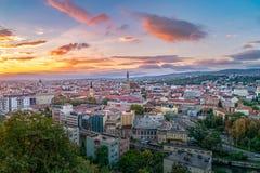 Cluj miasta przegląd przy wschód słońca od Cetatuia wzgórza w cluj, Rumunia fotografia royalty free