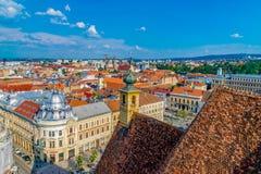 CLUJ-NAPOCA, РУМЫНИЯ - 21-ое августа 2018: Взгляд от церков St Michael в cluj-Napoca, Румынии стоковое изображение rf